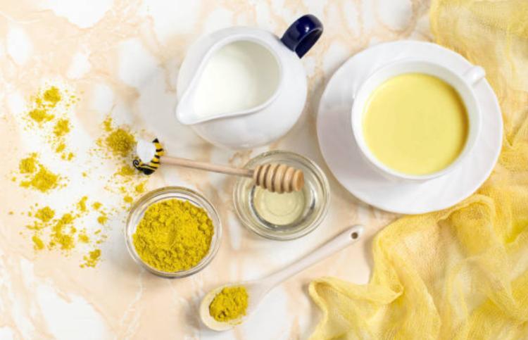 Uống tinh bột nghệ với mật ong có tác dụng giải độc cho cơ thể